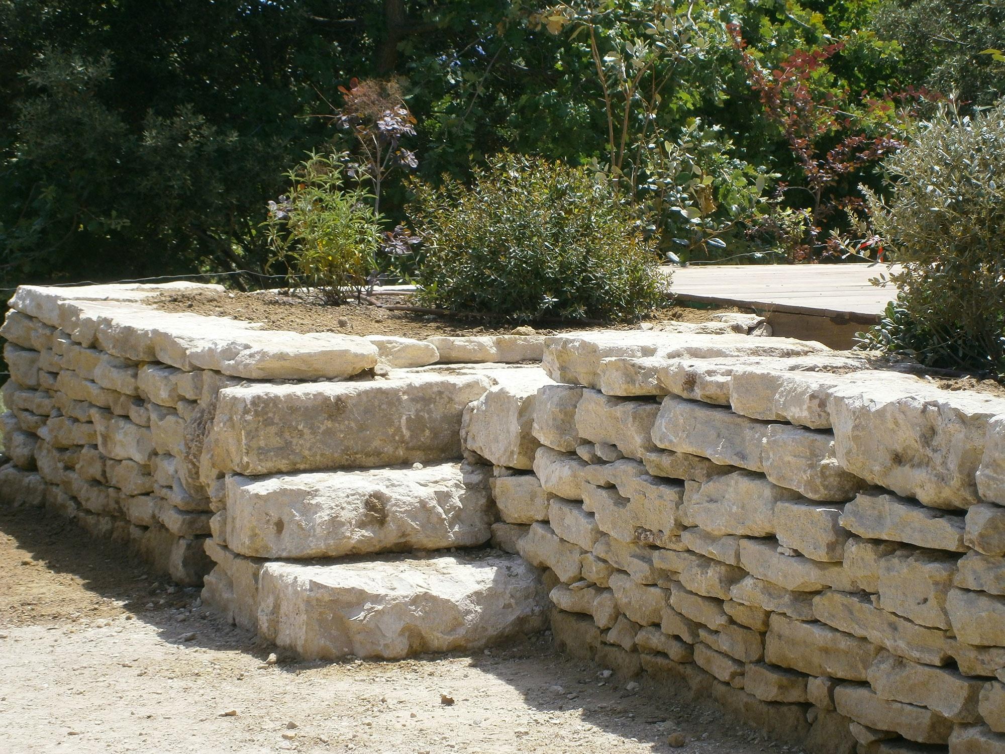 Pierre s che expression paysag re for Construire un escalier en pierre seche