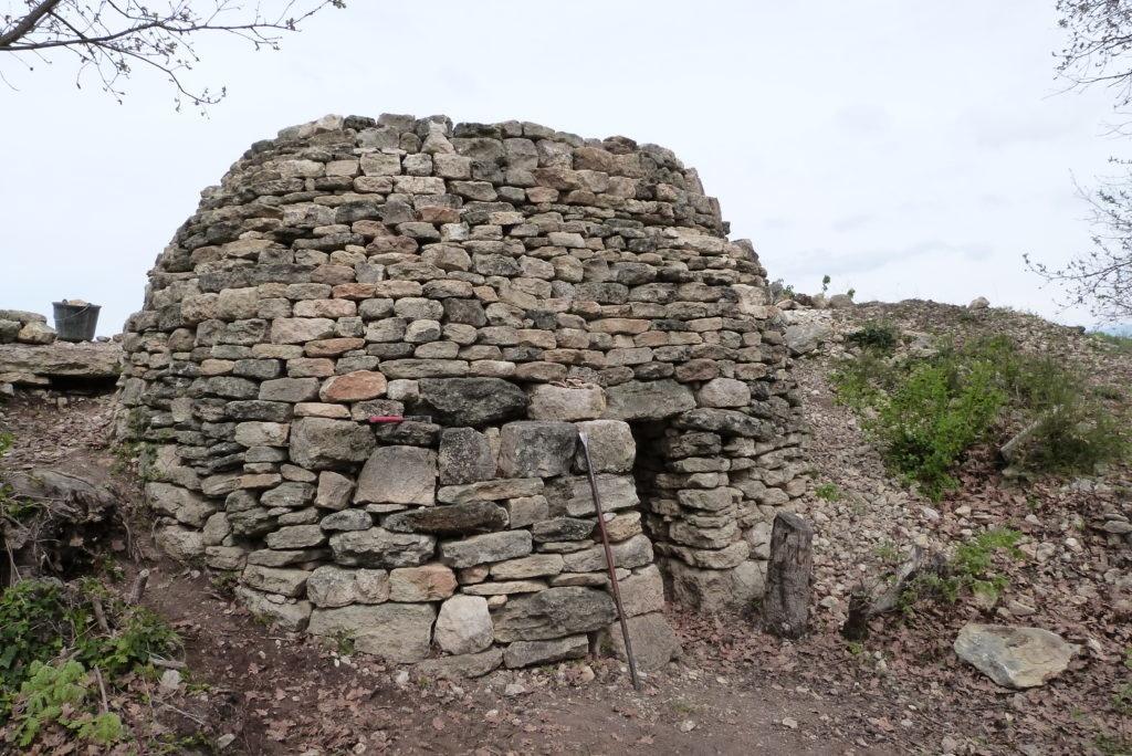 Borie cabane pierre sèche Venasque